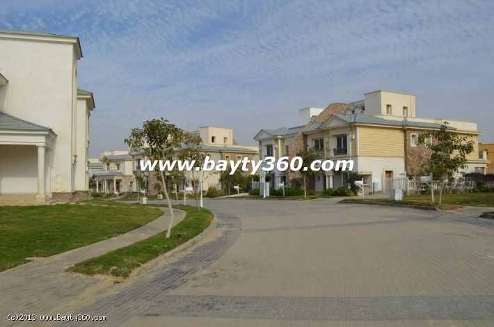 Villa For Sale in a Very Luxury Compound Mountain View in 5th Settlement